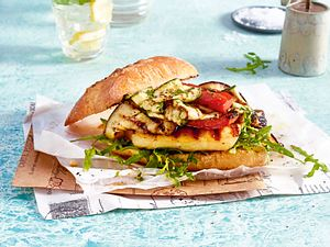 Ist-doch-Käse-Burger mit Grillgemüse Rezept