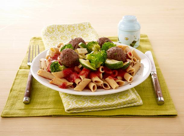 Italian Meatballs and Whole Wheat Pen Rezept