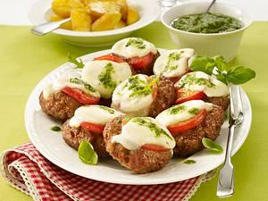 Italienische Frikadellen mit Rauke-Pesto Rezept