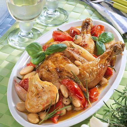 Italienische Hähnchenkeulen auf Tomaten-Bohnengemüse Rezept