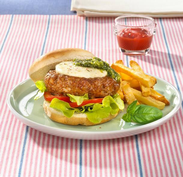 Italienischer Beefburger mit Pesto Rezept