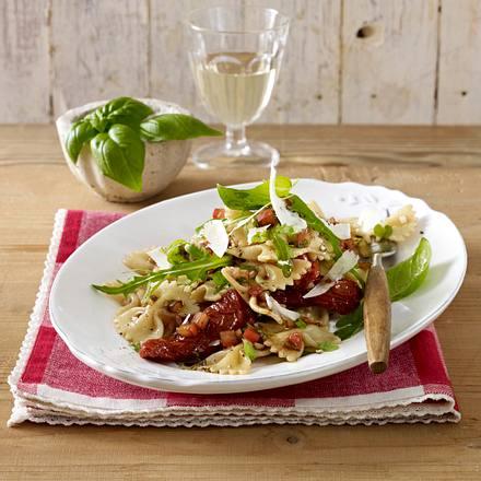 Italienischer Nudelsalat mit Tomaten-Dressing Rezept