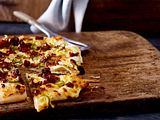 Jalapeno-Flammkuchen mit BBQ-Hack Rezept