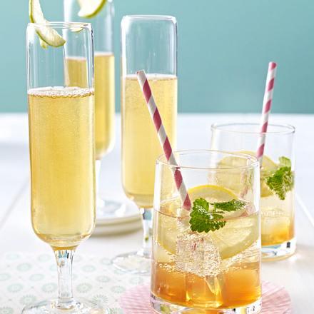 Jasmintee-Cocktail mit Prosecco Rezept