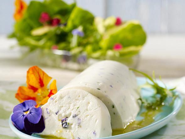 Joghurt-Blüten-Mousse Rezept