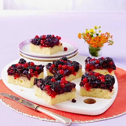Joghurt-Grießkuchen mit Brombeeren Rezept