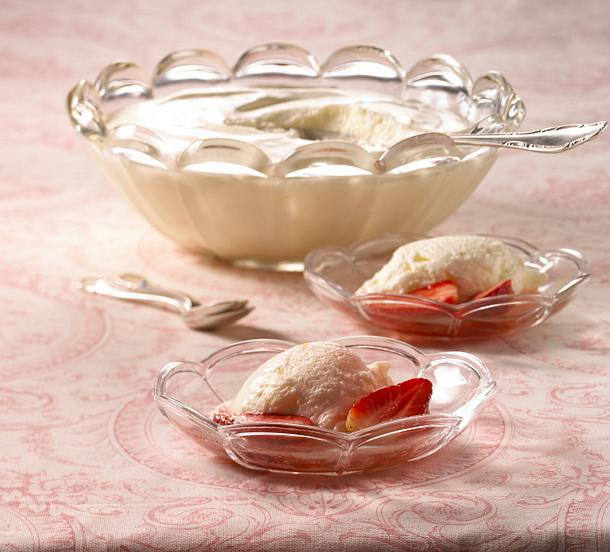 Joghurt-Mousse mit Erdbeeren Rezept