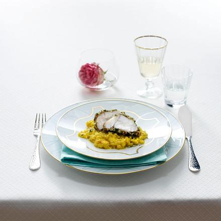 Johann Lafer: Seeteufelfilet im Kräuter-Nuss-Mantel mit Orangen-Safran Perlgraupen (Vorspeise) Rezept