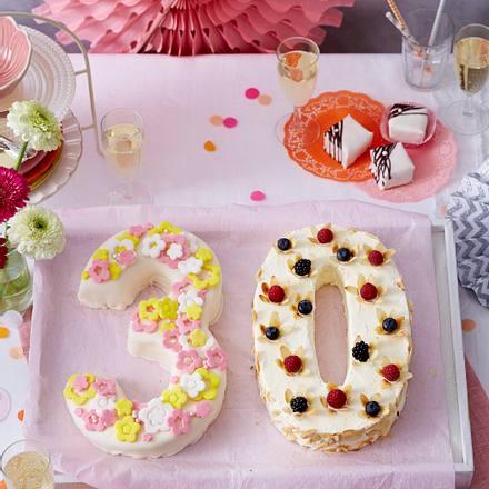 Jubiläums Torte 30 Mit Petit Fours Rezept Lecker