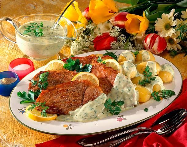 Junge Kartoffeln mit Kräutersoße Rezept
