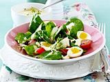 Junger Salat mit Wachteleiern Rezept