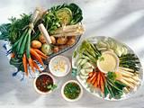 Junges Gemüse mit feinen Dips Rezept