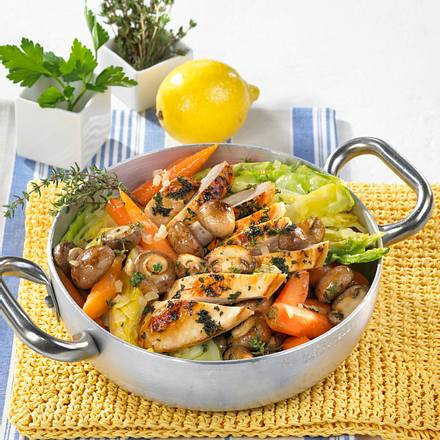 Junges Gemüse mit Kräuter-Hähnchen Rezept