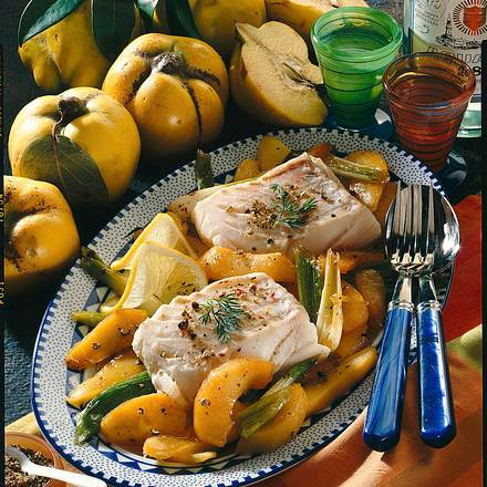 Kabeljau-Filets mit Quitten-Lauchzwiebel-Gemüse Rezept