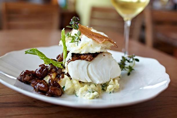 Kabeljau mit gebackenem Ei und Pilzen Rezept