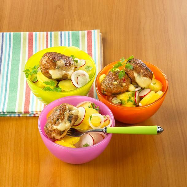 Käse-Frikadellen mit Radieschen-Kartoffelsalat Rezept