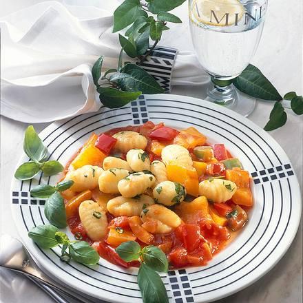 Käse-Gnocchi auf Paprika-Gemüse Rezept