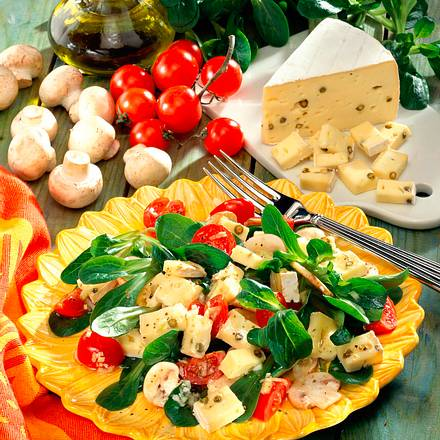 Käse-Nüssli-Salat Rezept