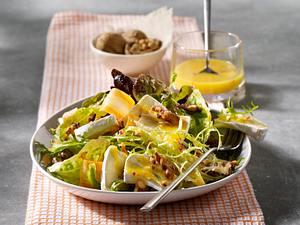 Käse-Nuss-Salat mit Honig-Vinaigrette Rezept