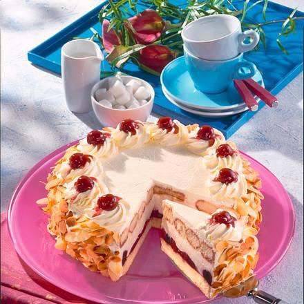Käse-Sahne-Torte mit Amarena-Kirschen Rezept