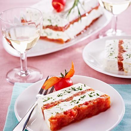 Käse-Tomaten-Terrine mit Kräutern Rezept