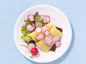 Käsebrot mit Radieschen Rezept