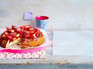 Käsekuchen mit Erdbeer-Topping Rezept