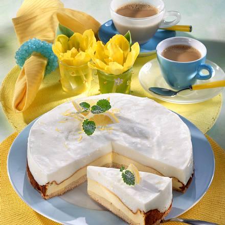 Käsekuchen mit Joghurt-Haube Rezept