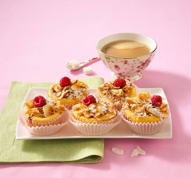 Käsekuchen-Muffins mit Himbeeren Rezept