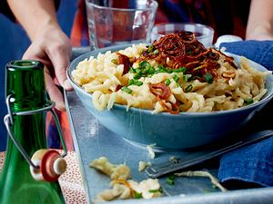 Käsespätzle mit Röstzwiebeln Rezept