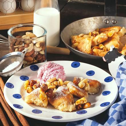Kaiserschmarrn mit Nuss-Karamell Rezept