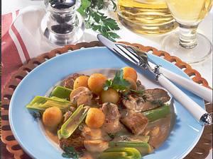 Kalbfleisch-Ragout mit Kartoffelbällchen Rezept