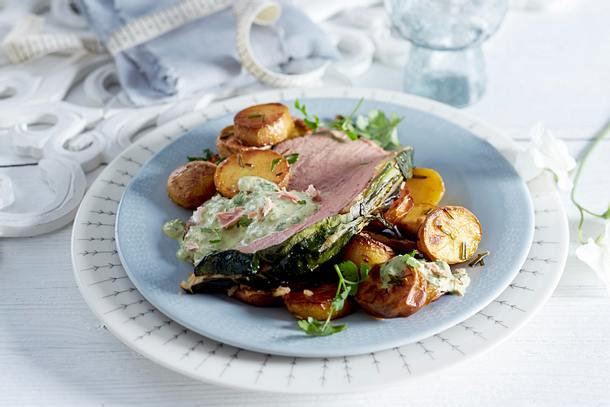 Kalbsbraten im Mangoldmantel mit Thunfisch-Kräuter-Soße Rezept