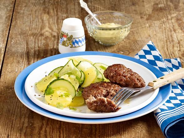 Kalbsfrikadellen mit Kartoffel-Gurken-Salat Rezept