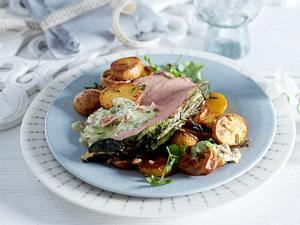 Kalbsnuss im Mangoldmantel mit Thunfischsoße und Rosmarinkartoffeln Rezept