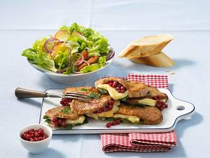Kalbsschnitzel mit Camembert-Preiselbeerfüllung Rezept