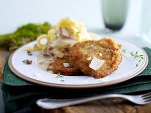 Kalbsschnitzel mit Thymian-Parmesan-Panade Rezept