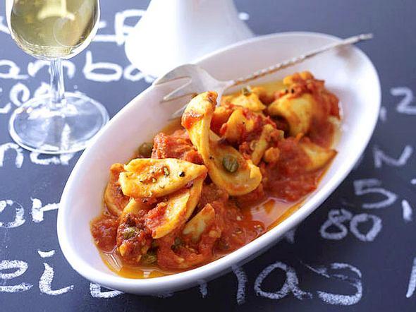 Kalmar in Tomaten-Knoblauchsoße Rezept