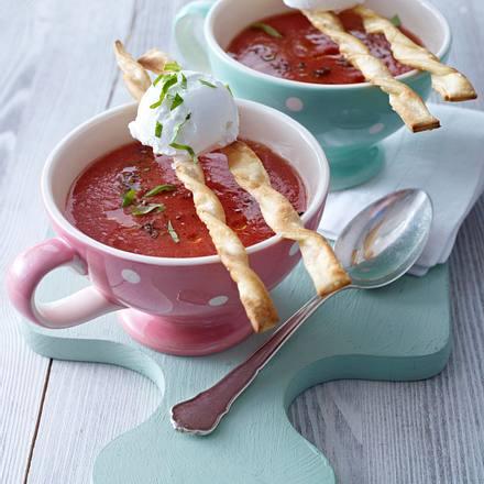 Kalte Tomatensuppe mit Grissini Rezept