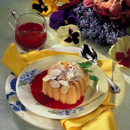 Karamel-Flan zu Himbeersoße Rezept