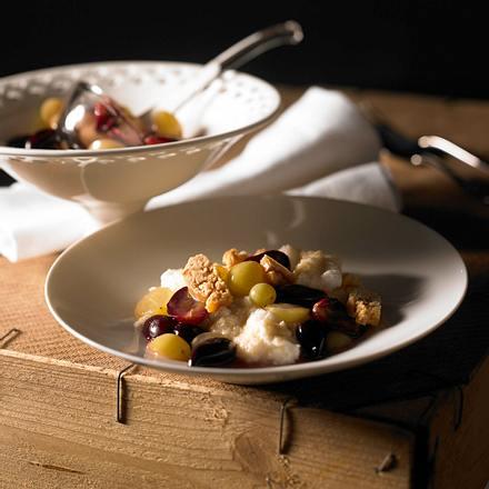 Karamell-Toffee-Grieß mit Traubensoße Rezept