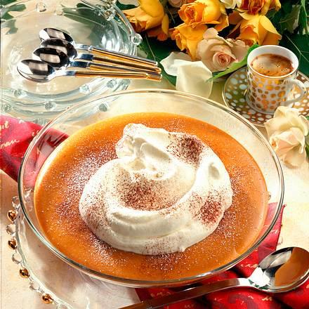 Karamell-Whisky-Pudding mit Sahne Rezept