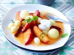 Karamellisierte Aprikose mit Melone zu Vanille-Creme fraiche Rezept