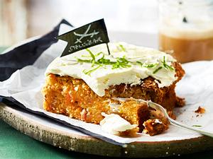 Karotten-Walnuss-Kuchen mit Limonencreme Rezept
