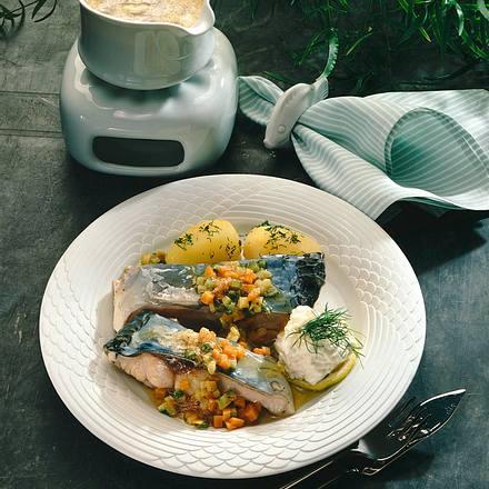 Karpfen mit Zucchini-Möhren-Butter Rezept