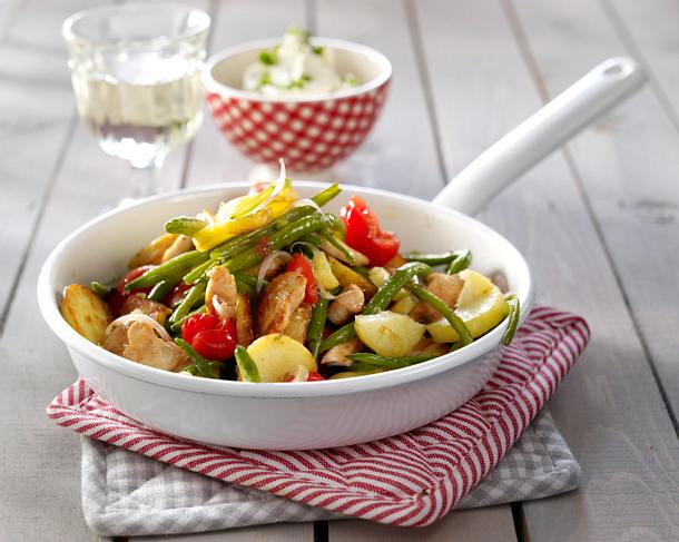 Kartoffel-Bohnen-Pfanne mit Hähnchenfilet und Tomaten Rezept