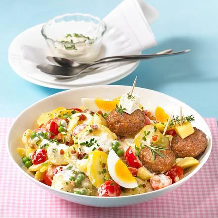 Kartoffel-Ei-Salat mit Mini-Buletten Rezept