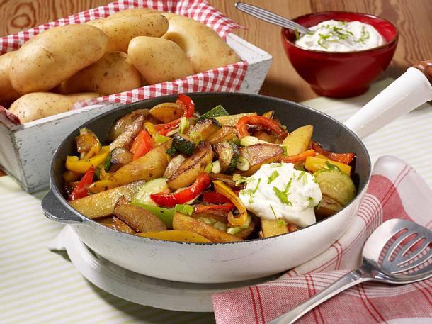 Kartoffel-Gemüse-Pfanne mit Schmand Rezept