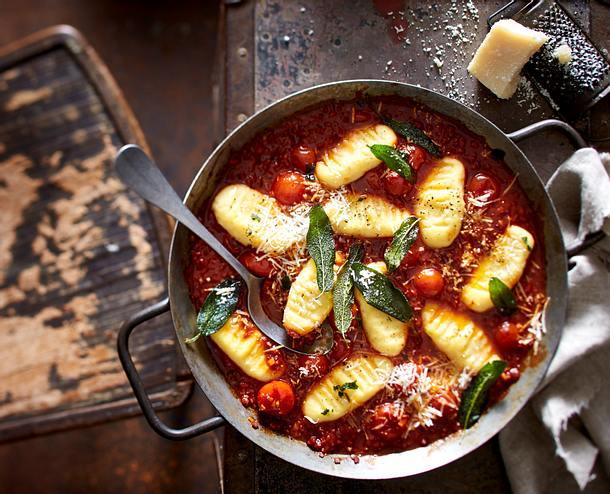 Kartoffel-Gnocchi mit Chorizo-Bolognese Rezept