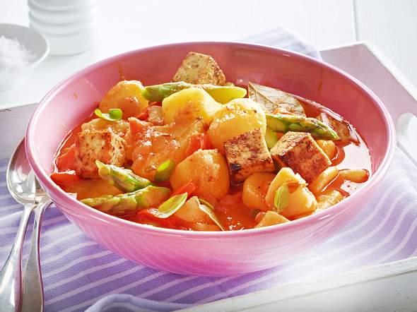 Kartoffel-Gulasch mit gebratenem Tofu Rezept